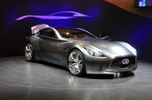 infiniti-essence-live-in-geneva-2009-34