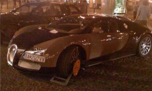 booted-bugatti-veyron-at-slovakia-1