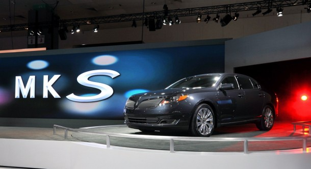 Lincoln MKS facelift 2013