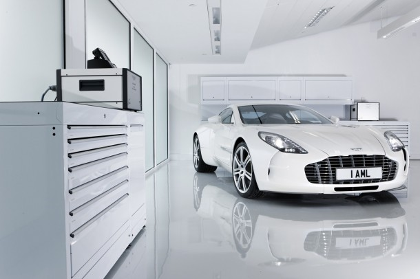 aston-martin-one-77-at-gaydon-plant-1