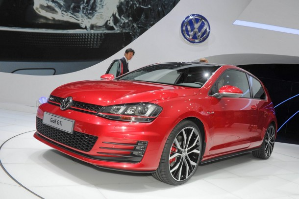 volkswagen-golf-gti-concept-live-in-paris-2012-99