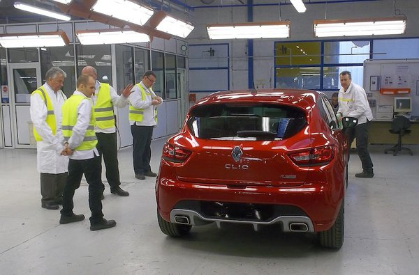 Renault Clio RS 2013 Production Starts (1)