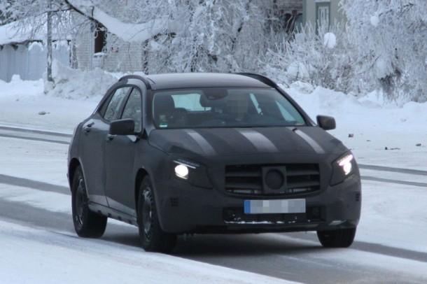 Mercedes GLA Spy Photos (2)