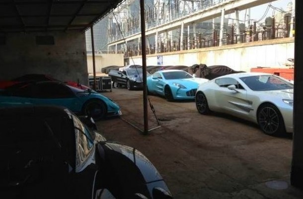 Three Aston Martin One-77 in China (2)