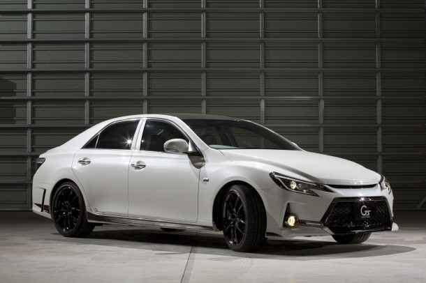 Toyota Mark X G Sports Carbon Roof Concept (1)