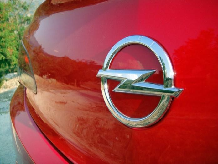 Opel Astra GTC 1.4T