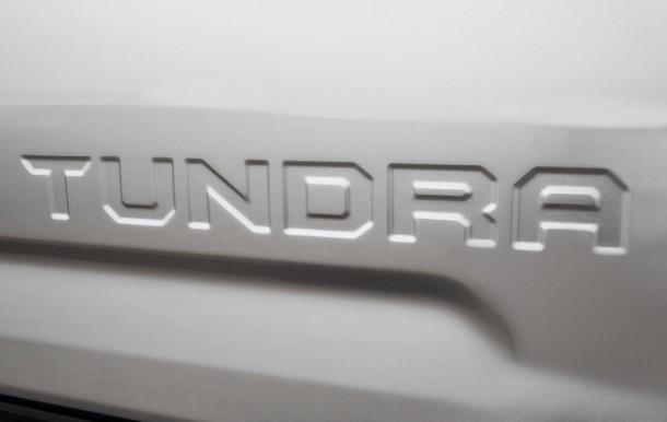 Toyota Tundra teaser (2)