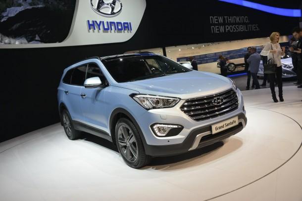 Hyundai Grand Santa Fe (2)