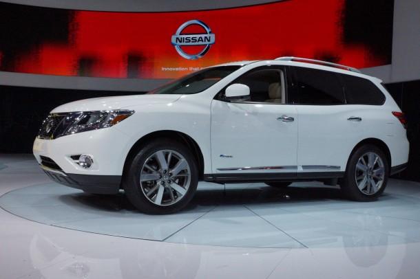 Nissan Pathfinder Hybrid 2014 (5)