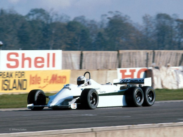 alanjones_williamscosworth_fw07d_doningtonpark1982