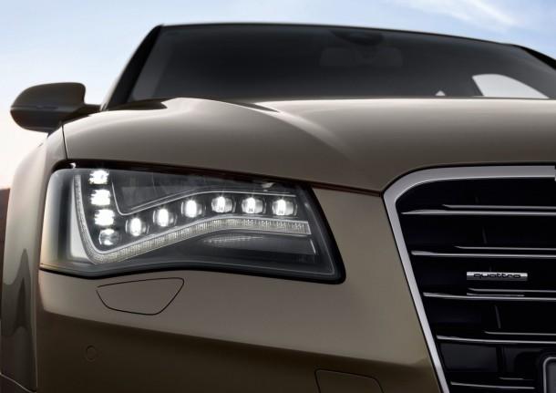 Audi A8 4.2 FSI quattro /Detail