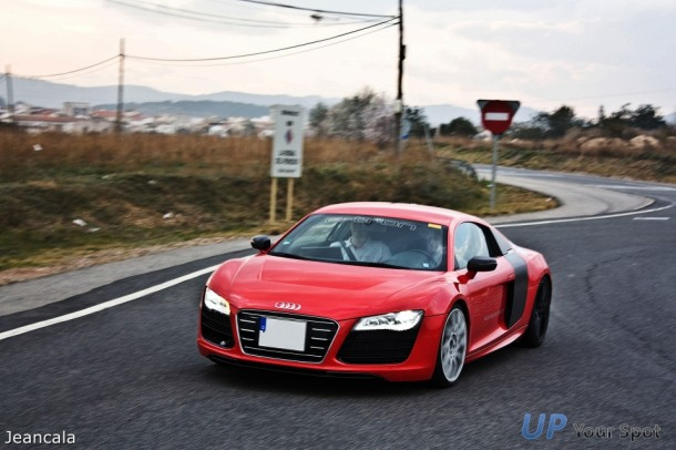 Audi R8 e-tron Spy Photos (2)