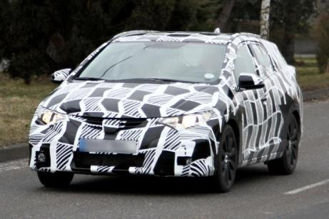 Honda Civic Tourer Spy Photos (1)