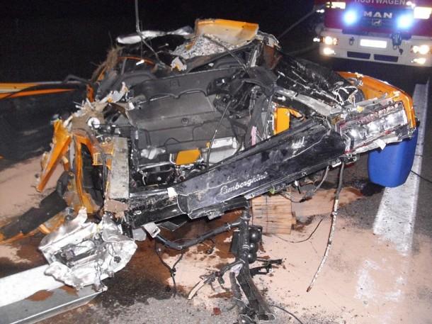 Lamborghini Gallardo LP570-4 Superleggera Wrecked in Mercedes-Benz SLS AMG Autobahn Race (6)
