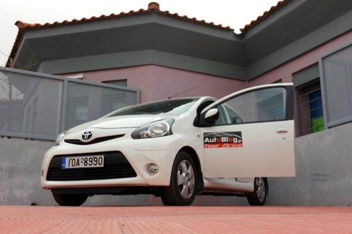 Test Drive: Toyota Aygo Auto - 25