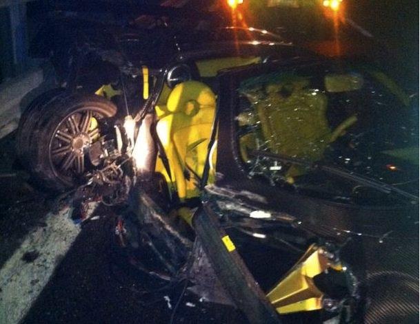 pagani-zonda-f-clubsport-roadster-crash-2