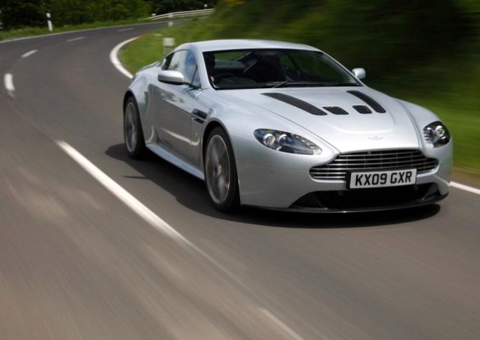 Aston Martin V12 Vantage 2010 2