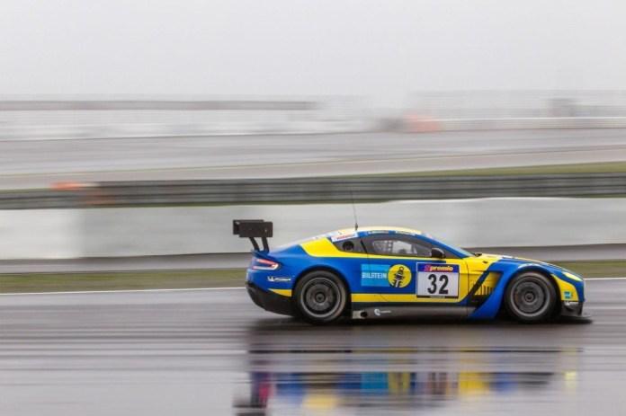 Aston Martin V12 Vantage GT3 (2)