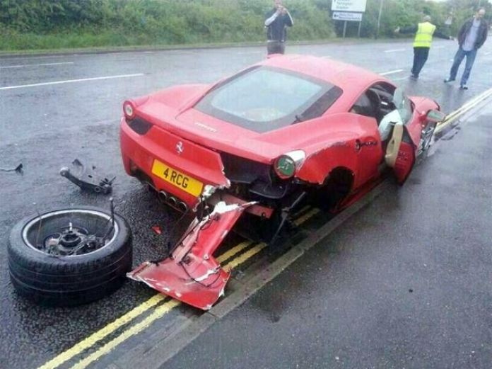 Ferrari 458 Italia Crashed (3)