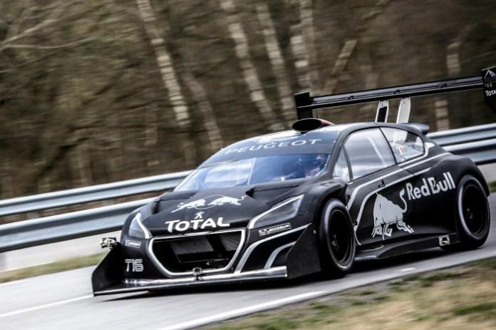 Sebastien Loeb test Peugeot 208 T16 Pikes Peak (2)
