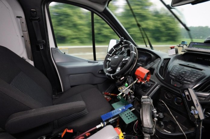 Ford uses robots to test Transit durability (3)