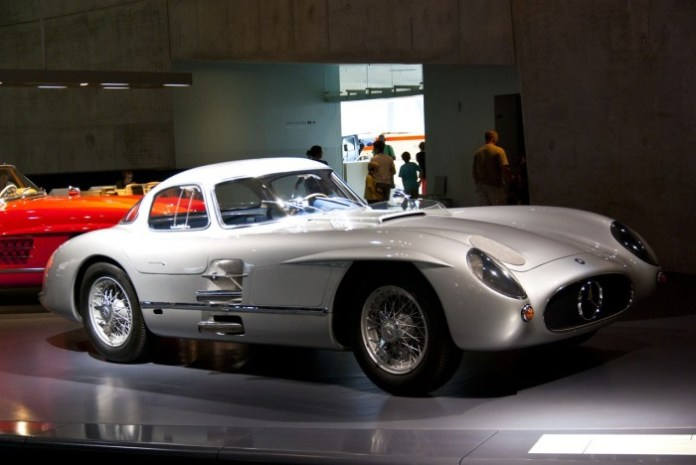 Mercedes-Benz 300 SLR Uhlenhaut Coupe (2)