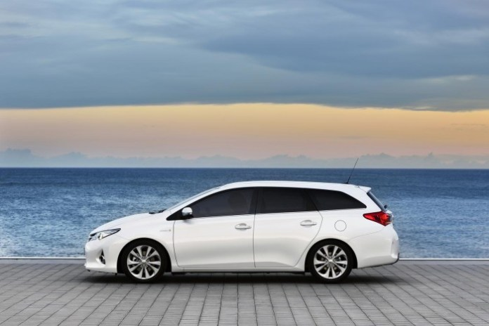 New Auris Touring Sports 2