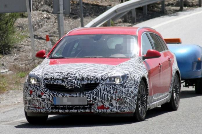 Opel Insignia Country Tourer Spy Photos (3)