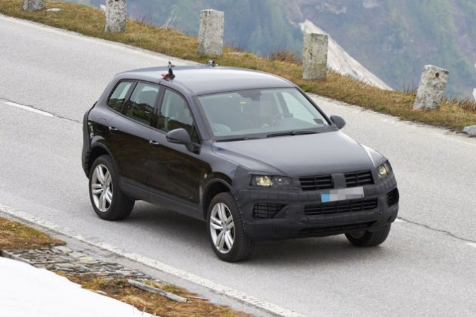 Volkswagen Touareg Facelift 2015 Spy Photos (1)