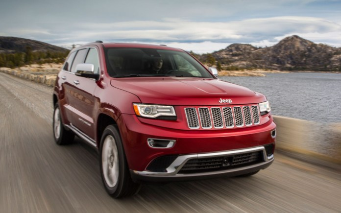 2014-Jeep-Grand-Cherokee-front-three-quarter-2
