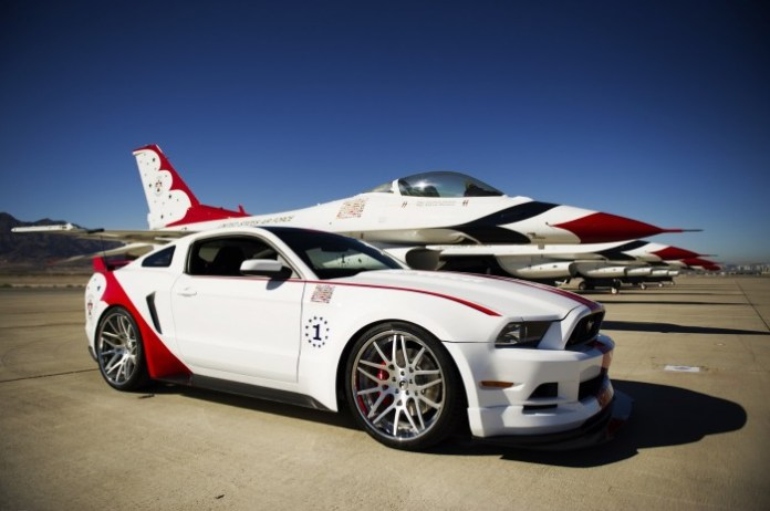 Ford Mustang U.S. Air Force Thunderbirds Edition 2014 (2)