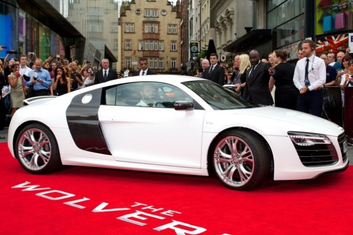 Hugh Jackman and the Audi R8 V10 (1)