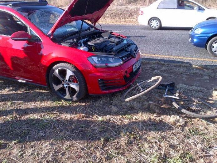 Volkswagen Golf GTI crash (3)
