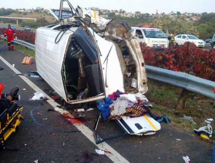 jaguar-f-type-crash-south-africa-durban-taxi-injuries (1)