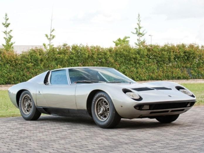 1969-1969-Lamborghini-Miura-P400S-1-1024px