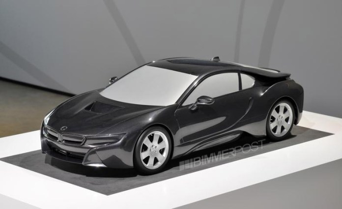 BMW i8 Scale Model (2)