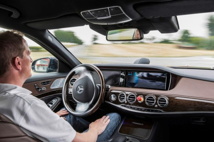 Mercedes-Benz S-Class S500 Intelligent Drive