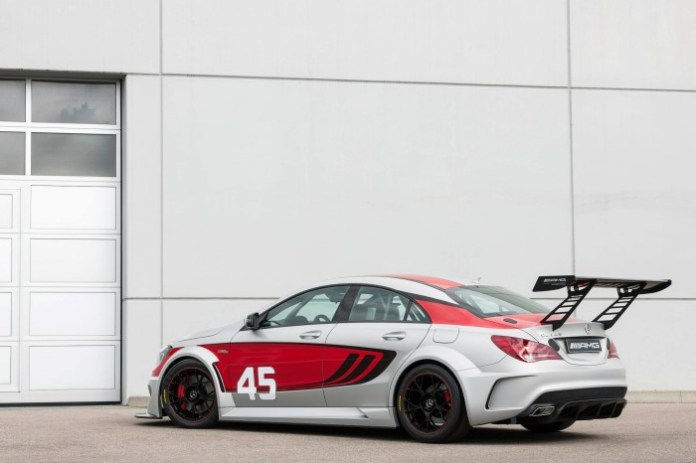 Mercedes CLA 45 AMG Racing Series 3