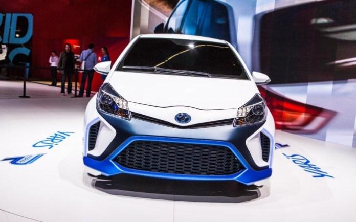 Toyota Yaris Hybrid-R (11)