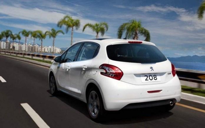 Peugeot-208-2014-9