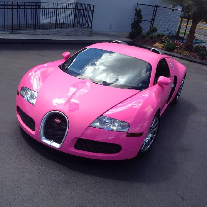 Pink Bugatti Veyron Golf GTI and Ferrari 458 Spider (1)