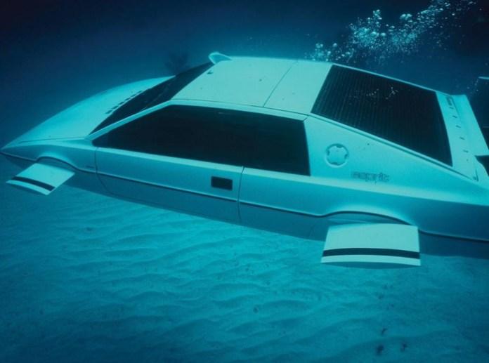 lotus esprit 007 Lotus Esprit submarine