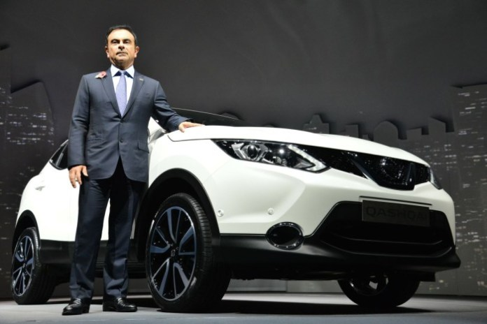 2014-Nissan-Qashqai-with-Mr-Carlos-Ghosn
