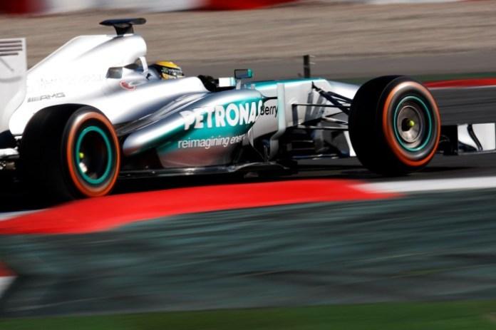 Lewis Hamilton (GBR) Mercedes AMG F1 W04. - Photos 2013 F1 Barcelona pre-season test - Day 2