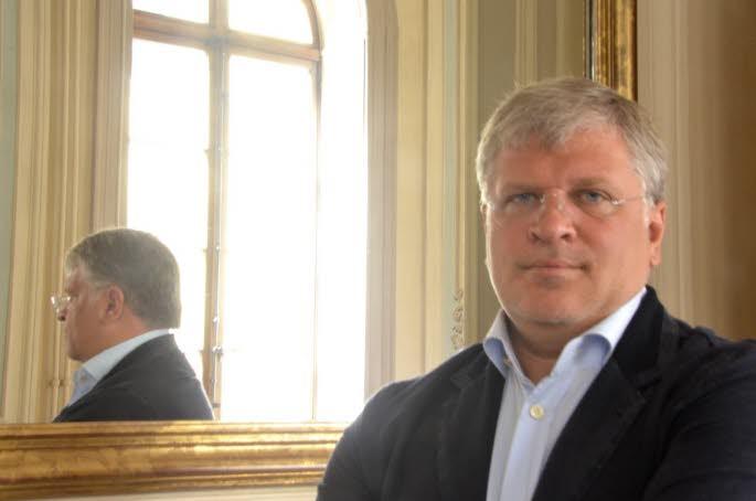 mardi-matin-andrey-cheglakov-s-est-engage-aux-cotes-de-la-mairie-d-annecy-a-soutenir-annecy-classic-festival-jusqu-en-2015-une-securite-financiere-mue-par-une-reelle-confiance-dans-sa-qualite-et-dans-le-travail-de-ses-directeurs-et-organisa