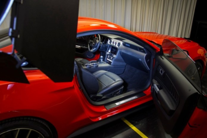 Ford-2015-Mustang-Lab-Lights-6[2]