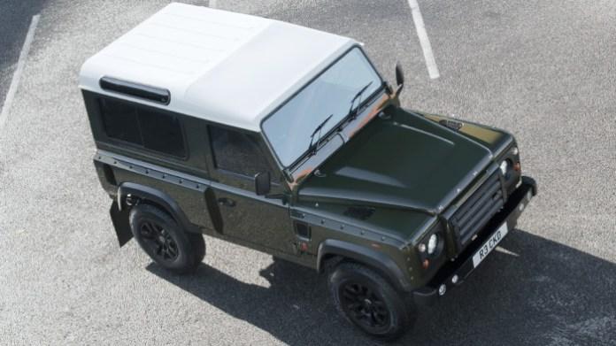 Land Rover Defender 2.2 TDCI SW 90 Chelsea Wide Track by A. Kahn Design (1)