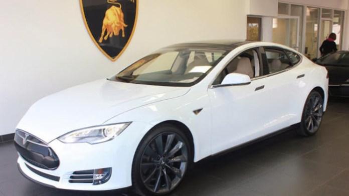 Tesla Model S bitcoin