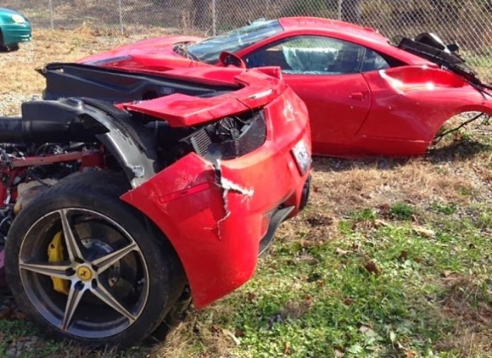 ferrari-458-italia-crash-wrecked-split-in-half-destroyed-birmingham-november-2013 (2)