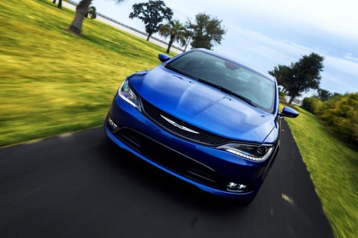 2015-Chrysler-200-23